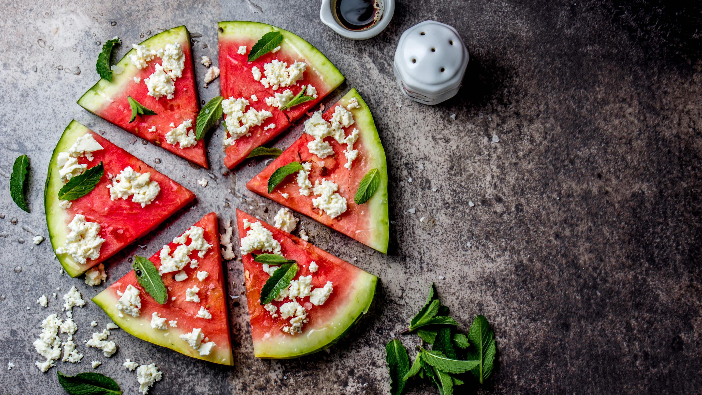 vattenmelon fetaost basilika